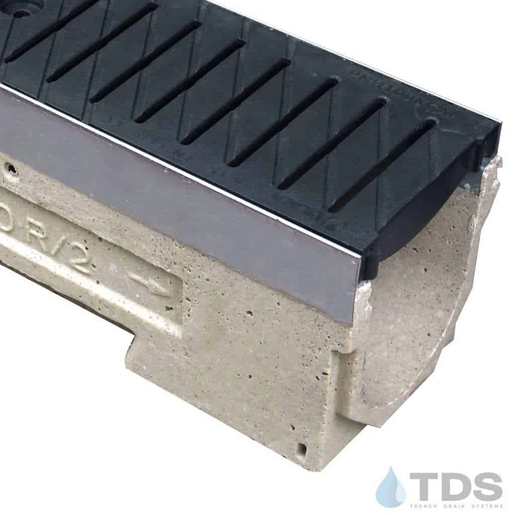 ULMA drain channel with stainless steel edge and polypropylene grate