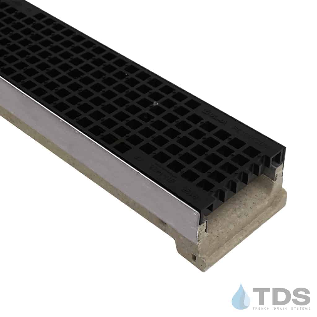 Ulma M100KX Channel with Stainless Steel Edge and Polypropylene Mesh Grate - Black